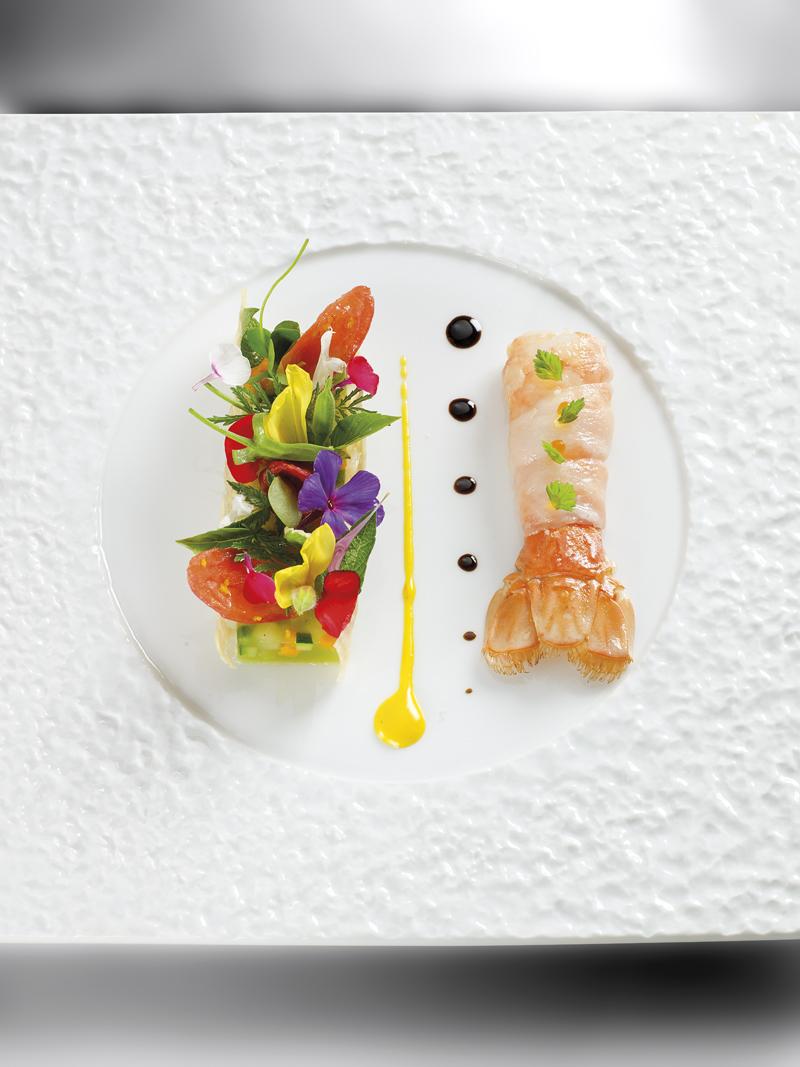 Langoustine cuite la nage d une soupe au pistou en habit for Site de cuisine gastronomique