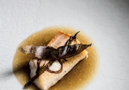 Omble chevalier et bouillon céleri & huile de noisette