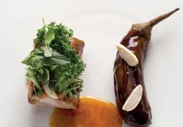 Epaule d'agneau de sisteron confite, aubergine du Japon à l'huile de curry, salade d'herbe