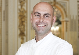 Antony Terrone, chef pâtissier de l'hôtel The Péninsula Paris