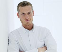 Yann Couvreur, chef pâtissier à Paris