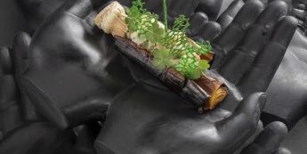 Gros poireau des sables des Landes brûlé, couteaux bretons et beurre de dashi